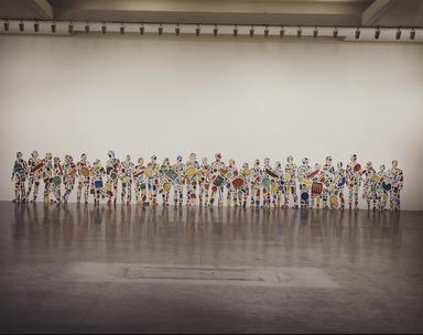Tony Cragg: Menschenmenge, March 5, 1986 through April 14, 1986 (Image: .  photograph, )