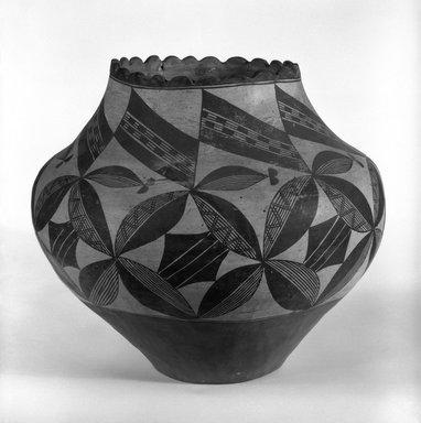 Haak'u (Acoma Pueblo) (Native American). Water Jar, 1868-1900. Clay, pigment, 11 1/2 x 13 in. (29.2 x 33cm). Brooklyn Museum, Riggs Pueblo Pottery Fund, 02.257.2467. Creative Commons-BY