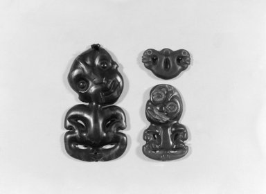 Maori. Pendant (Pekapeka), 19th century. Nephrite, sealing wax Brooklyn Museum, Brooklyn Museum Collection, 03.214. Creative Commons-BY