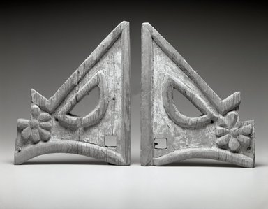 She-we-na (Zuni Pueblo) (Native American). Triangular Carved Bracket (Tset-tesh Kwim-nai), 1775-1776. Wood, gesso, pigment, 11 1/2 x 9 1/2 x 1 1/4. Brooklyn Museum, Museum Expedition 1903, Museum Collection Fund, 03.325.3489b. Creative Commons-BY