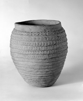 She-we-na (Zuni Pueblo) (Native American). Corrugated Jar. Clay, slip, 8 7/8 x 6 1/2 in. (22.5 x 16.5 cm). Brooklyn Museum, Museum Expedition 1903, Museum Collection Fund, 03.325.4731. Creative Commons-BY