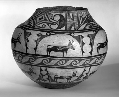She-we-na (Zuni Pueblo) (Native American). Water Jar (Tai-lai), 1868-1933, late 19th-early 20th century. Ceramic, pigment, 12 1/4 x 15 in. (31.0 x 38.0 cm). Brooklyn Museum, Museum Expedition 1904, Museum Collection Fund, 04.297.5249. Creative Commons-BY