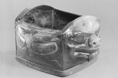 Haida (Native American). Bear Feast Bowl, 19th century. Wood, plant fiber, twine, 8 x 13 1/2 x 12 in. (20.3 x 34.3 x 30.5 cm). Brooklyn Museum, Museum Expedition 1905, Museum Collection Fund, 05.251. Creative Commons-BY