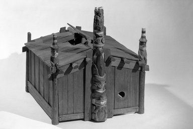 George Dickson (Haida, Native American). Model of House of Contentment, late 19th century. Cedar wood, pigment, 36 5/8 x 34 5/8 x 35 13/16 in. (93 x 88 x 91 cm). Brooklyn Museum, By exchange, 05.589.7791. Creative Commons-BY