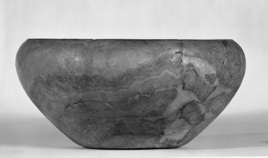 Bowl, ca. 3100-2675 B.C.E. Egyptian alabaster (calcite), 3 3/4 x Diam. 8 in. (9.6 x 20.3 cm). Brooklyn Museum, Charles Edwin Wilbour Fund, 07.447.15. Creative Commons-BY