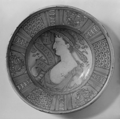 Plate, 16th century. Ceramic, 15 1/2 in. (39.4 cm). Brooklyn Museum, 09.865. Creative Commons-BY