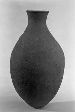 Ovoid Bottle, ca. 3500-3300 B.C.E. Terracotta, 10 3/4 x 6 7/16 in. (27.3 x 16.3 cm). Brooklyn Museum, Charles Edwin Wilbour Fund, 09.889.768. Creative Commons-BY