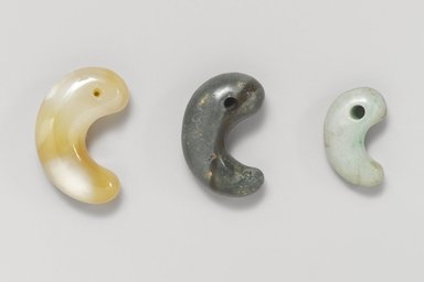 Comma or Kidney Shaped Bead (Magatama), 200 B.C.-700 A.D. Stone, 3/8 x 1 x 9/16 in. (1 x 2.5 x 1.5 cm). Brooklyn Museum, Museum Expedition 1909, Purchased with funds given by Thomas T. Barr, E. LeGrand Beers, Carll H. de Silver, Herman B. Stutzer, Colonel Robert B. Woodward and the Museum Collection Fund, 09.898.2. Creative Commons-BY