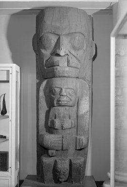 Heiltsuk (Bella Bella) (Native American). House Post, from a Set of Four, 19th century. Cedar wood, 105 3/4 x 32 3/4 x 21in. (268.6 x 83.2 x 53.3cm). Brooklyn Museum, Museum Expedition 1911, Museum Collection Fund, 11.700.4. Creative Commons-BY