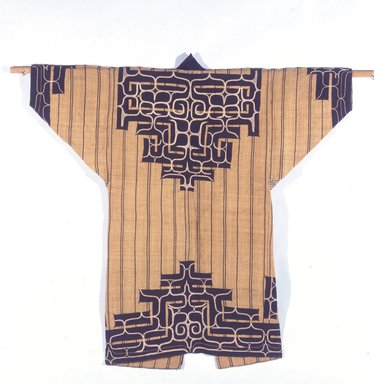 Ainu. Man's Robe, late 19th-early 20th century. Elm bark, 51 1/8 x 52 in. (129.9 x 132.1 cm). Brooklyn Museum, Gift of Herman Stutzer, 12.656. Creative Commons-BY