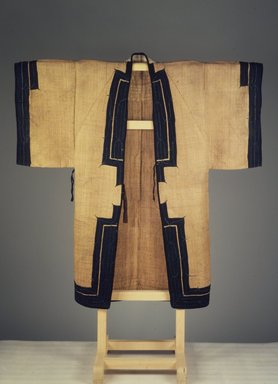 Ainu. Man's Robe, 19th century. Elm bark cloth, 53 9/16 x 52 3/4 in. (136 x 134 cm). Brooklyn Museum, Gift of Herman Stutzer, 12.750. Creative Commons-BY
