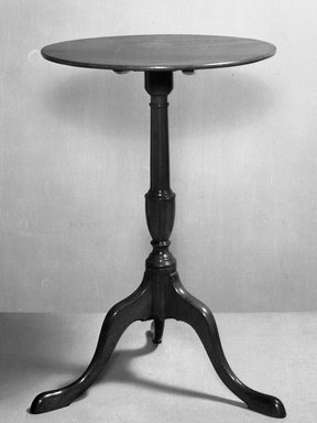 American. Candlestand, ca. 1730. Cherry, Height: 25 7/8 in. (65.7 cm). Brooklyn Museum, Henry L. Batterman Fund, 14.706. Creative Commons-BY