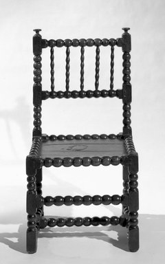 Side Chair, ca. 1650. Oak, 35 x 18 1/2 x 16 in. (88.9 x 47 x 40.6 cm). Brooklyn Museum, Henry L. Batterman Fund, 15.31. Creative Commons-BY
