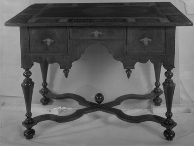 American. Slate Top Serving Table, ca. 1700., 30 3/4 x 41 x 26 1/4 in. (78.1 x 104.1 x 66.7 cm). Brooklyn Museum, Henry L. Batterman Fund, 15.33. Creative Commons-BY