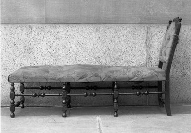 American. Day Bed, ca. 1700-1750. Maple wood, 38 1/4 x 21 1/2 x 63 in. (97.2 x 54.6 x 160 cm). Brooklyn Museum, Henry L. Batterman Fund, 15.481. Creative Commons-BY