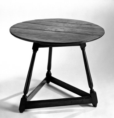 American. Table, Three Legs, ca. 1725. Furniture, 26 1/4 x 34 1/4 x 33 1/2 in. (66.7 x 87 x 85.1 cm). Brooklyn Museum, Frank Sherman Benson Fund, 16.509. Creative Commons-BY