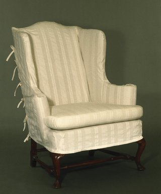 American. Wing Chair, Queen Anne Style, ca. 1740-1760. Walnut, 44 1/2 x 21 x 36 in. (113 x 53.3 x 91.4 cm). Brooklyn Museum, Henry L. Batterman Fund, 17.115. Creative Commons-BY
