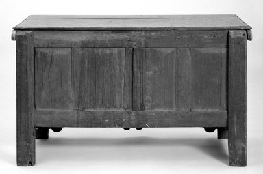 Panelled Oak Chest, ca. 1697. Furniture, 29 1/2 x 49 1/2 x 20 1/2 in. (74.9 x 125.7 x 52.1 cm). Brooklyn Museum, Henry L. Batterman Fund, 17.9. Creative Commons-BY
