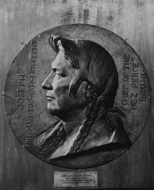 Olin Levi Warner (American, 1844-1896). Joseph Hin-Mah-Too-Yah-Lat-Kekht, Chief of the Nez Percé Indians, 1889. Bronze, 17 9/16 x 17 11/16 x 2 1/8 in. (44.6 x 44.9 x 5.4 cm). Brooklyn Museum, Gift of Mrs. C.V. Sanborn, 18.189. Creative Commons-BY