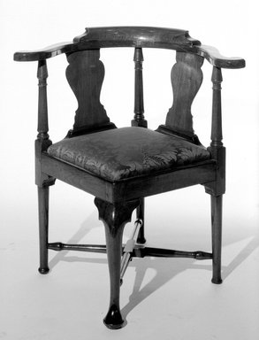 American. Roundabout Chair, ca. 1740. Wood, 31 1/2 x 24 x 24 in. (80 x 61 x 61 cm). Brooklyn Museum, Henry L. Batterman Fund, 19.153. Creative Commons-BY