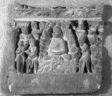 Relief Depicting the Buddha Performing the Miracle at Uruvilva, late 2nd-3rd century. Slate, 12 3/8 x 12 5/8 in. (31.5 x 32 cm). Brooklyn Museum, 19.56. Creative Commons-BY