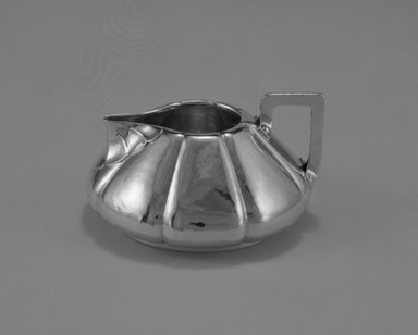 Shreve & Company (founded 1852). Sugar Bowl and Lid, from Three Piece Tea Service, ca. 1910. Silver, wood, 3 3/8 x 6 1/8 x 5 1/2 in. (8.6 x 15.6 x 14 cm). Brooklyn Museum, Gift of Mr. and Mrs. Daniel L. Silberberg, by exchange, 1989.22.3a-b. Creative Commons-BY