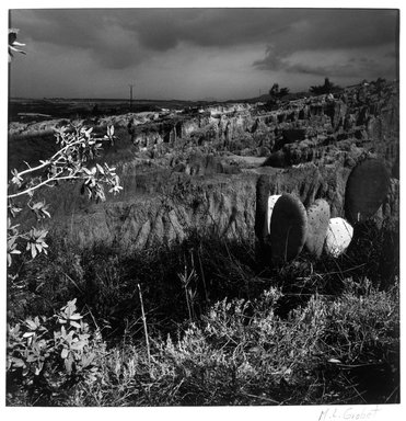 M. Lourdes Grobet. Untitled, ca. 1986. Cibachrome, Sheet: 9 7/8 x 8 in. Brooklyn Museum, Gift of Marcuse Pfeifer, 1990.119.11. © Maria de Lourdes Grobet