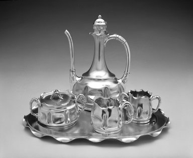 Pairpoint Manufacturing Company (1880-1929). Coffee Pot, ca. 1885. Silver-plate, 9 1/2 x 6 1/2 x 5 1/2 in. (24.1 x 16.5 x 14 cm). Brooklyn Museum, H. Randolph Lever Fund, 1990.160.1. Creative Commons-BY