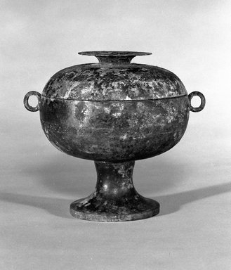 Ritual Food Vessel (Dou), 475-221 B.C.E. Bronze, 7 1/2 x 7 3/16 in. Brooklyn Museum, Gift of The Roebling Society, 1991.84. Creative Commons-BY