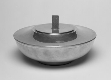 Marion Anderson Noyes (American, 1907-2002). Bowl with Cover, ca. 1950. Pewter, cherry, 4 3/8 x 8 x 8 in. (11.1 x 20.3 x 20.3 cm). Brooklyn Museum, Gift of Marion Anderson Noyes, 1992.40.50a-b. Creative Commons-BY