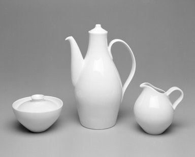 """Eva Zeisel (American, born Hungary, 1906-2011). Creamer, """"Museum"""" Pattern, ca. 1942-1943. Porcelain, 4 3/4 x 4 1/4 x 4 1/2 in.  (12.1 x 10.8 x 11.4 cm). Brooklyn Museum, Gift of Paul F. Walter , 1992.98.2. Creative Commons-BY"""