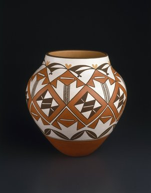 Gladys Paquin (Ka'waika (Laguna Pueblo), Native American, born 1936). Jar, 1993. Clay, slip, 11 1/2 x 6 1/2 in. (29.2 x 16.5 cm). Brooklyn Museum, Carll H. de Silver Fund, 1993.101.1. Creative Commons-BY