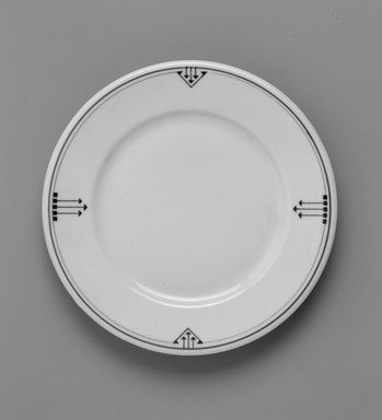 Shenango China (China, 1910-present). Plate, ca. 1910. Porcelain, 3/4 x 7 1/4 x 7 1/4 in. (1.9 x 18.4 x 18.4 cm). Brooklyn Museum, Gift of Joseph V. Garry, 1993.111. Creative Commons-BY