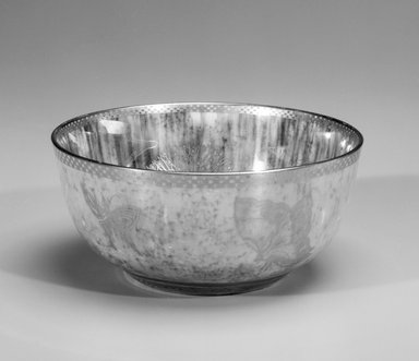 Daisy Makeig-Jones (English, 1881-1945). Bowl, ca. 1915 - 1931. Luster glazed porcelain, 2 3/4 x 6 3/8 in. (7 x 16.2 cm). Brooklyn Museum, Gift of Selma H. Rutenburg, 1993.75.2. Creative Commons-BY