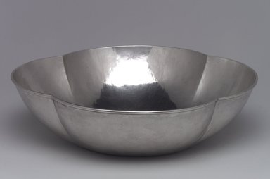 Lebolt & Company. Bowl, 1915-1920. Silver, 2 3/4 x 10 1/4 x 10 1/4 in. (7 x 26 x 26 cm). Brooklyn Museum, Gift of Daniel Morris and Denis Gallion, 1994.205.1. Creative Commons-BY