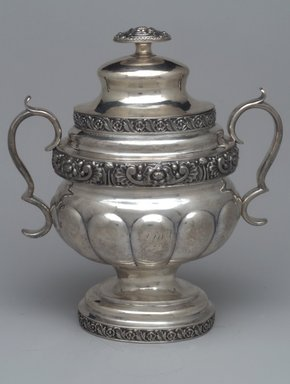 Pelletreau, Bennet & Cooke (Maltsby Pelletreau, John Bennett, D.C.). Sugar Bowl with Lid,  Part of Three-Piece Set, ca. 1826-1828. Silver, 9 3/4 x 8 1/2 x 5 3/4 in. (14.7 x 21.6 x 13.3 cm). Brooklyn Museum, Gift of Marcelle H. Littell, 1995.151.3a-b. Creative Commons-BY