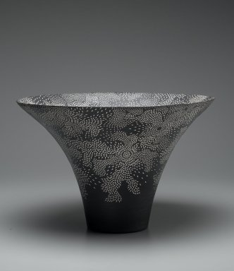 Kitamura Junko (Japanese, born 1956). Vase, 20th century. Stoneware, slip, glaze, 11 1/4 x 16 15/16 in. (28.5 x 43 cm). Brooklyn Museum, Gift of Dr. Eleanor Z. Wallace, 1995.189. Creative Commons-BY