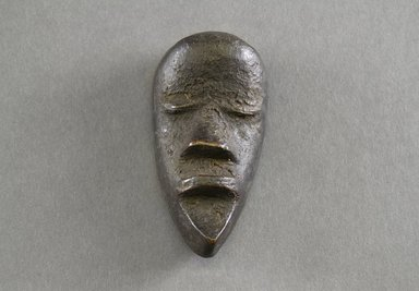 Mano. Personal Miniature Mask, 20th century. Wood, 4 x 2 x 1in. (10.2 x 5.1 x 2.5cm). Brooklyn Museum, Gift of Blake Robinson, 1995.7.27. Creative Commons-BY