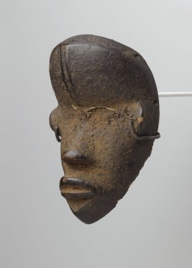 Dan. Personal Miniature Mask (Ma Go), 19th or 20th century. Wood, organic matter, fiber or feathers, 4 3/4 x 3 x 2in. (12.1 x 7.6 x 5.1cm). Brooklyn Museum, Gift of Blake Robinson, 1995.7.28. Creative Commons-BY