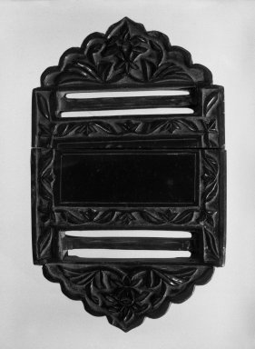 Mughal. Belt Buckle, 17th century. Jade, 2 1/4 x 3 1/2in. (5.7 x 8.9cm). Brooklyn Museum, Bequest of Mrs. Carl L. Selden, 1996.123.3. Creative Commons-BY