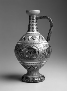 Sarreguemines et Cie. Snail Vase, ca. 1900. Glazed earthenware, H: 9 x Diam: 5 in. (H: 22.8 x Diam: 12.7 cm). Brooklyn Museum, Gift of Catherine Kurland and Lori Zabar, 1996.139.5. Creative Commons-BY