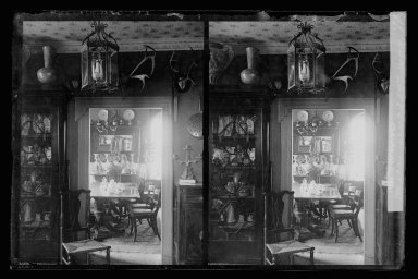Daniel Berry Austin (American, born 1863, active 1899-1909). Rem Lefferts House, Interior, Fulton Street opposite Arlington Place near Bedford, Brooklyn, ca. 1899-1909. Gelatin silver glass dry plate negative Brooklyn Museum, Brooklyn Museum/Brooklyn Public Library, Brooklyn Collection, 1996.164.1-11