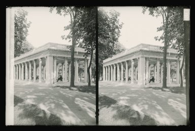 Daniel Berry Austin (American, born 1863, active 1899-1909). Grecian Shelter, Prospect Park, Franklin Avenue Side of Prospect Park, Brooklyn, ca. 1899-1909. Gelatin silver glass dry plate negative Brooklyn Museum, Brooklyn Museum/Brooklyn Public Library, Brooklyn Collection, 1996.164.1-130