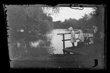 George Bradford Brainerd (American, 1845-1887). Children on Bridge, Prospect Park, Brooklyn, ca. 1872-1887. Collodion silver glass wet plate negative Brooklyn Museum, Brooklyn Museum/Brooklyn Public Library, Brooklyn Collection, 1996.164.2-1737