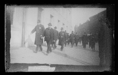 George Bradford Brainerd (American, 1845-1887). Taking Prisoners to Court, Brooklyn, ca. 1872-1887. Collodion silver glass wet plate negative Brooklyn Museum, Brooklyn Museum/Brooklyn Public Library, Brooklyn Collection, 1996.164.2-1802