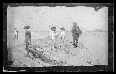 George Bradford Brainerd (American, 1845-1887). 2 Little Girls, Coney Island, Brooklyn, ca. 1885. Dry negative plate Brooklyn Museum, Brooklyn Museum/Brooklyn Public Library, Brooklyn Collection, 1996.164.2-2103