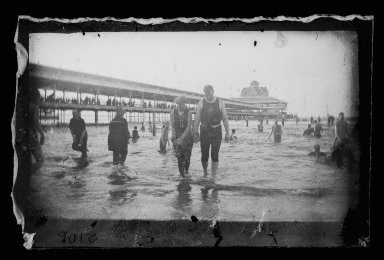 George Bradford Brainerd (American, 1845-1887). Bathers, Steel Pier, Coney Island, Brooklyn, ca. 1885. Dry negative plate Brooklyn Museum, Brooklyn Museum/Brooklyn Public Library, Brooklyn Collection, 1996.164.2-2106