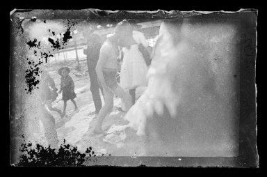 George Bradford Brainerd (American, 1845-1887). Bathers, Coney Island, Brooklyn, ca. 1885. Dry negative plate Brooklyn Museum, Brooklyn Museum/Brooklyn Public Library, Brooklyn Collection, 1996.164.2-2132