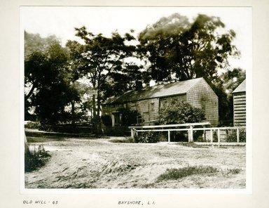 George Bradford Brainerd (American, 1845-1887). Old House, Bay Shore, Long Island, ca. 1872-1887. Collodion silver glass wet plate negative Brooklyn Museum, Brooklyn Museum/Brooklyn Public Library, Brooklyn Collection, 1996.164.2-65