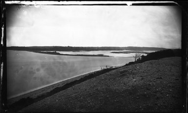 George Bradford Brainerd (American, 1845-1887). Mouth of the Nissequogue River from west St. Johnland, Long Island, ca. 1872-1887. Collodion silver glass wet plate negative Brooklyn Museum, Brooklyn Museum/Brooklyn Public Library, Brooklyn Collection, 1996.164.2-91